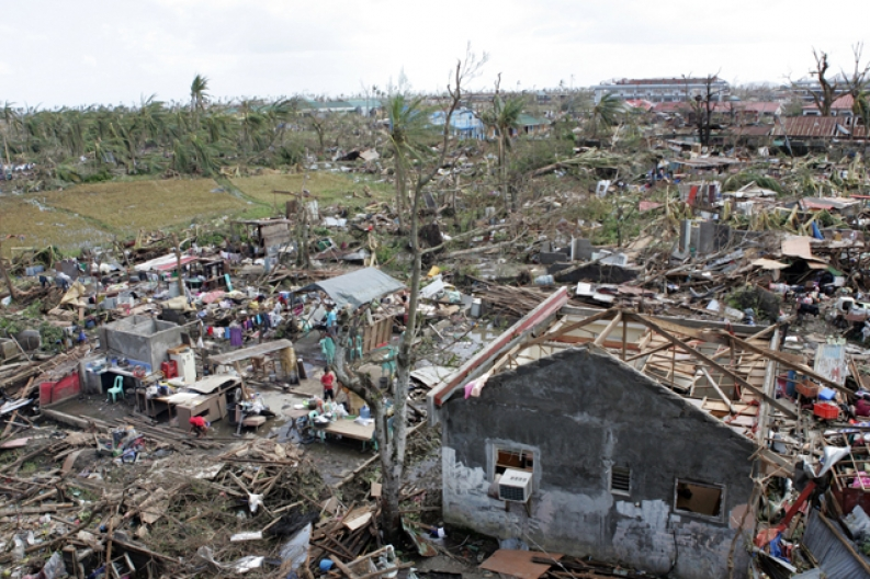 Typhoon Haiyan, destruction in the Philippines