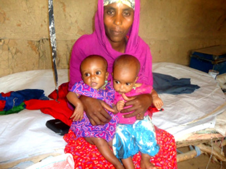 Nuriyo with her daughters, Safwa and Maryum. Photo: ACF-Kenya