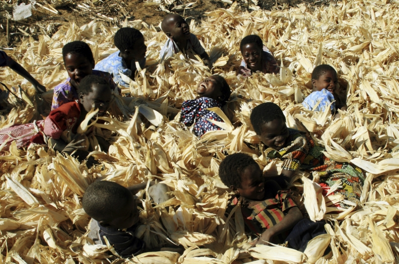 Children playing in maize fields in rural Malawi. Photo: Susana Vera