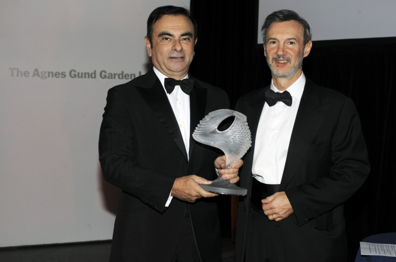 Carlos Ghosn, Chairman and CEO of the Renault-Nissan Alliance, accepts Action Against Hunger's humanitarian award. Photo: S. Kossmann