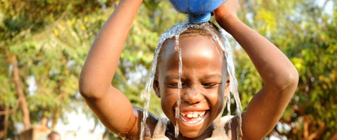 Who can help me write an essay on people how can access to clean water?