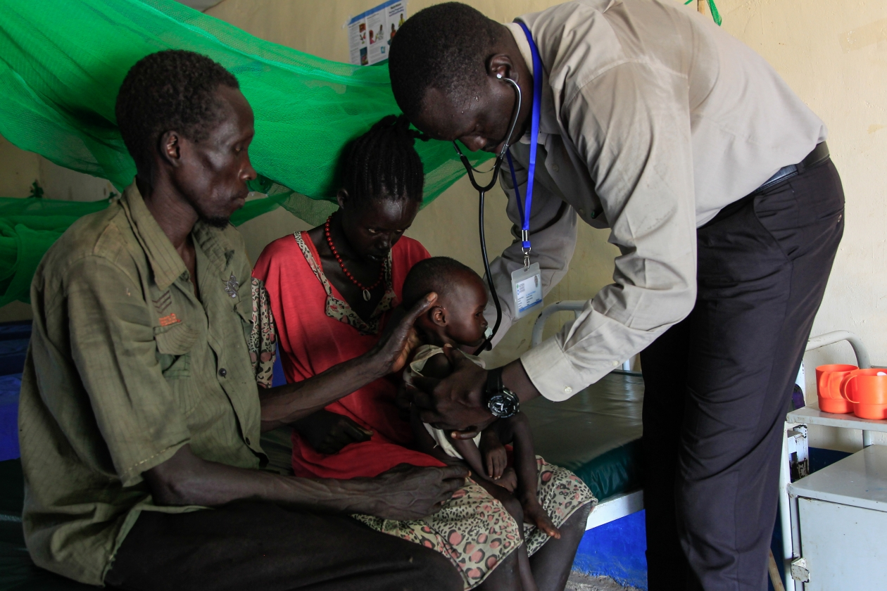 One year old Nyankir was admitted at the stabilization center in Malualkon suffering from severe acute malnutrition and severe dehydration, where Doctor David and the other staff cared for her.